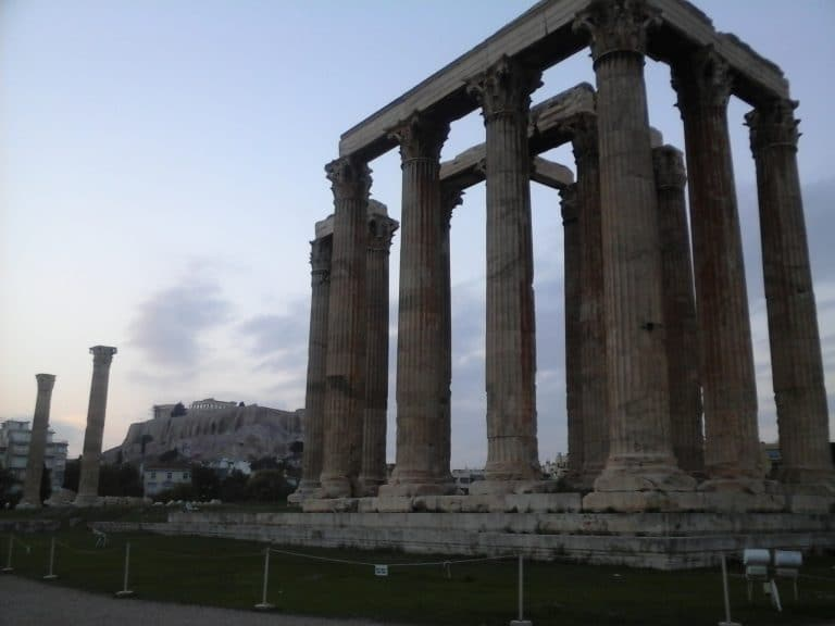 Athènes Olympieion Acropole